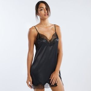 Savage by Fenty lace slip
